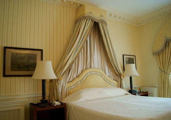 Brocket Hall bed