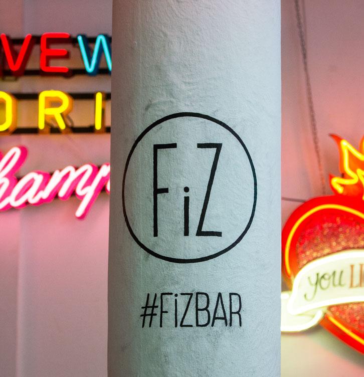 Fiz Bar pillar