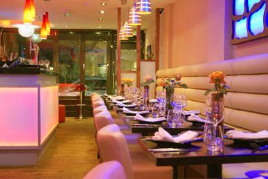 Namaasté Kitchen tables