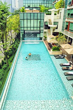 Park Regis pool
