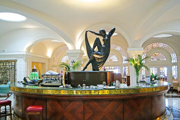 The Phoenicia Hotel Malta bar