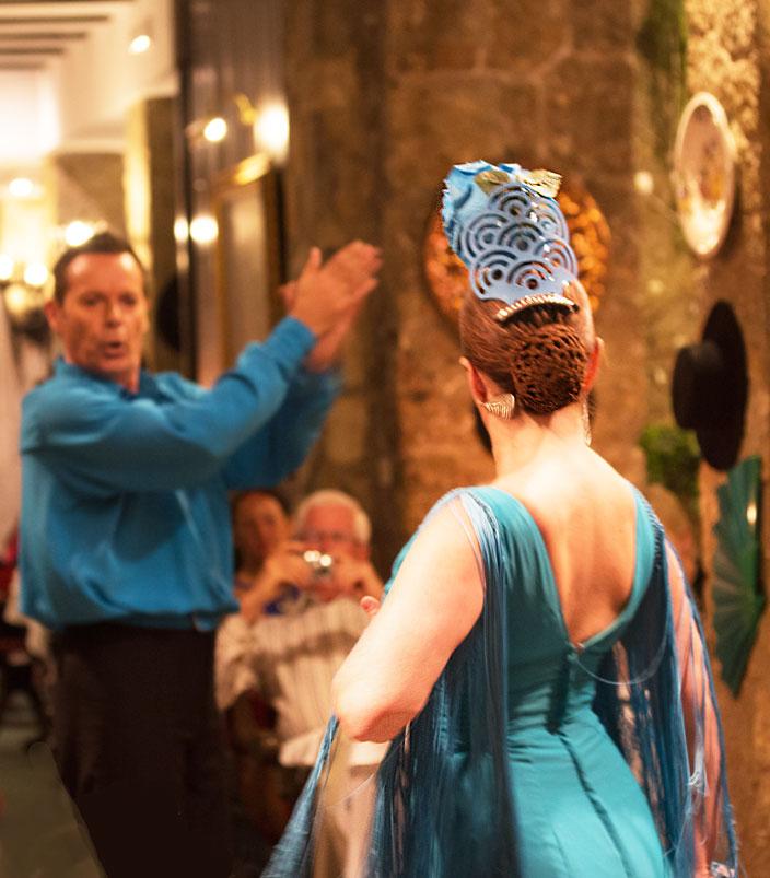Hotel Bon Sol dancers
