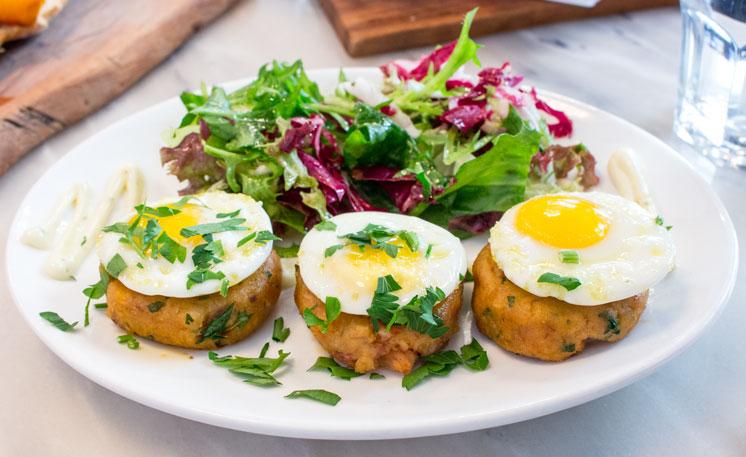 Canela Café eggs
