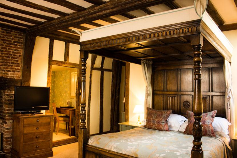 lavenham swan bed