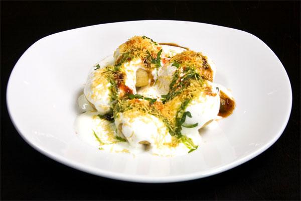 restaurant review zeen Dahi Batata Puri