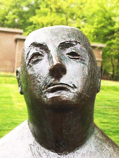 kroller muller sculpture